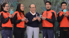 Captains of Hannah and Jasmine present models of the R45 Ocean Rowing Boats to Mr Li Ka-shing to thank him for his support to the Ocean Rowing project and to STU over the years. | 漢娜與茉莉花隊長致送海洋划艇模型船予李嘉誠先生,感謝李先生對海洋划艇計劃及多年來對汕大的支持。 | 汉娜与茉莉花队长致送海洋划艇模型船予李嘉诚先生,感谢李先生对海洋划艇计划及多年来对汕大的支持。